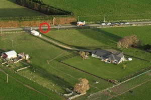 Circled in red: the exact location where Robin Bain is said to have been photographed.