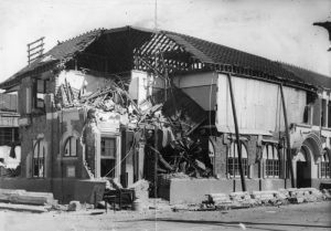 Historians still aren't sure whether the Hastings Post Office was damaged in the quake, or whether it was built like this.
